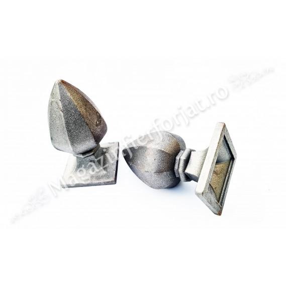 55.105 Capac masiv pentru teava patrata 100x100mm cu H.180mm turnat din aliaj fier-fonta